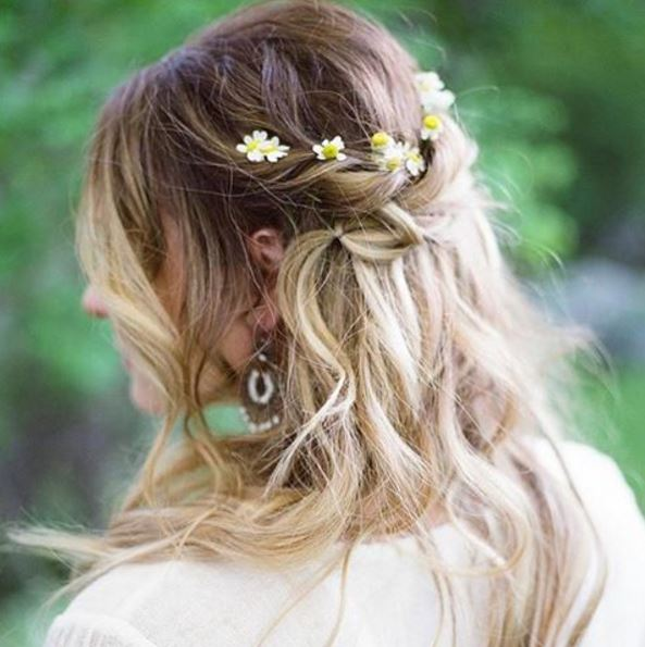 how-to-rock-florals-in-your-hair
